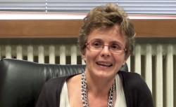 Elena Cattaneo, attenti agli scienziati ciarlatani