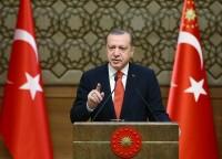 Erdogan: «Chi intervista i terroristi è un loro sostenitore»