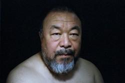 Ai Weiwei: criticate i governi, non le Ong