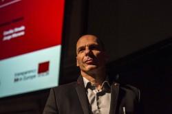 """Varoufakis: """"I grillini sono centristi, non di sinistra"""