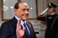 Berlusconi tra bastone e carota