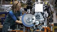 Crolla la produzione industriale