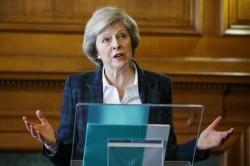 Le ultime carte di Theresa May