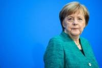 Merkel: stanno riemergendo le ombre del passato