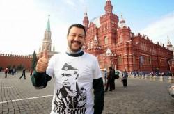 Matteo Salvini qualche anno fa a Mosca