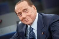 Berlusconi: legge elettorale si fa in Parlamento, no al referendum