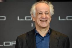 Toni Servillo: il francese ama fare le rivolte ma poi viene a teatro a piedi
