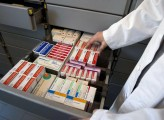 La dipendenza dai farmaci prodotti in Cina