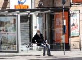 Anziani più colpiti dal virus, i giovani dalla crisi economica