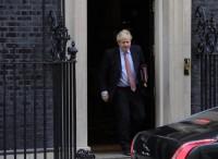 Scivolone di Boris sull'intelligence