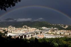 L'arcobaleno sul nuovo ponte San Giorgio
