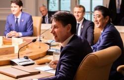 Giuseppe Conte a una riunione del G7