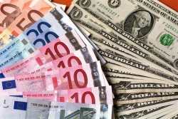 Banconote di euro e dollari