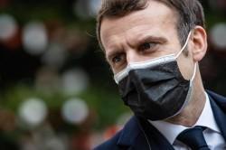 """Macron: """"Sui vaccini l'Europa si è mossa come un diesel"""""""