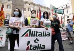 Una protesta dei lavoratori Alitalia