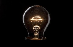 La bolletta elettrica e la transizione energetica